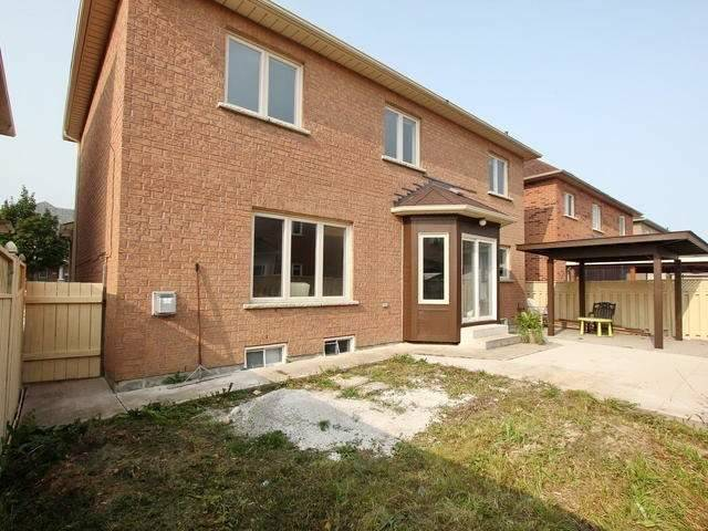 Detached at 28 Marbleseed Cres, Brampton, Ontario. Image 13