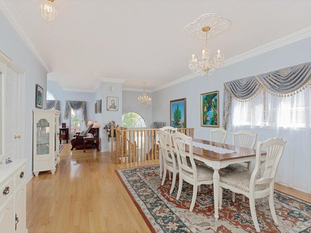 Detached at 7394 Watergrove Rd, Mississauga, Ontario. Image 17