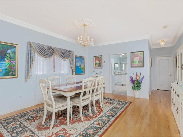 Detached at 7394 Watergrove Rd, Mississauga, Ontario. Image 18