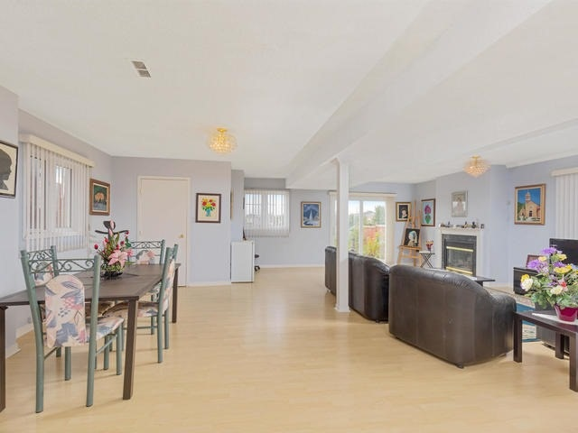 Detached at 7394 Watergrove Rd, Mississauga, Ontario. Image 7