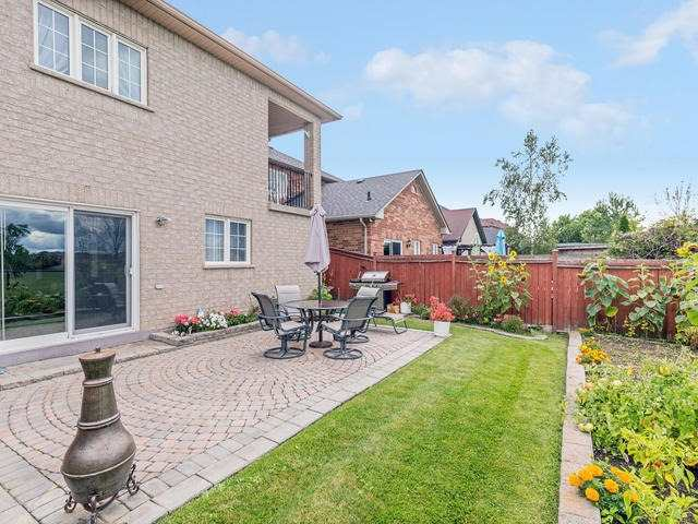 Detached at 7394 Watergrove Rd, Mississauga, Ontario. Image 10