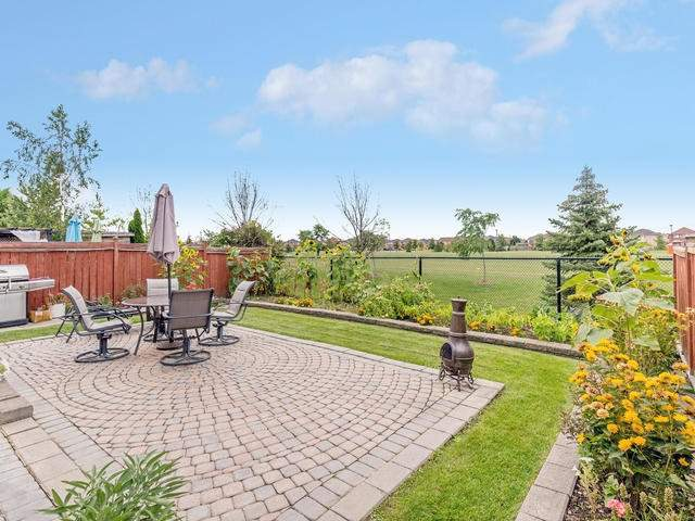 Detached at 7394 Watergrove Rd, Mississauga, Ontario. Image 11