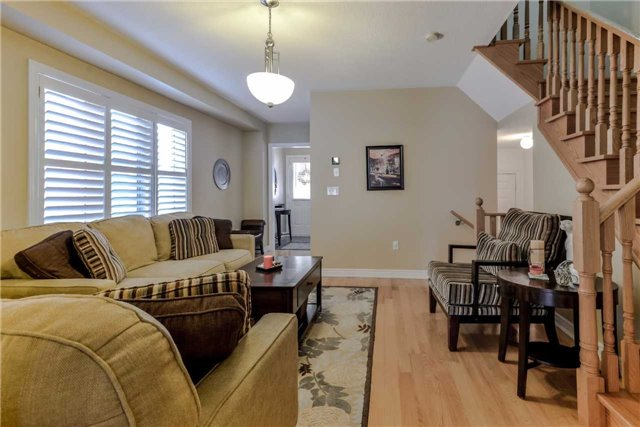 Semi-detached at 7216 Gagliano Dr, Mississauga, Ontario. Image 12