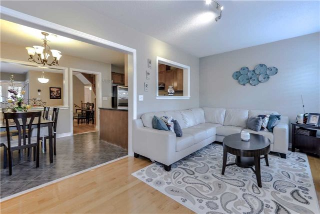 Semi-detached at 7216 Gagliano Dr, Mississauga, Ontario. Image 14