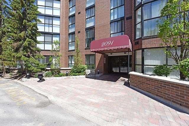 Condo Apartment at 2091 Hurontario St, Unit 910, Mississauga, Ontario. Image 1