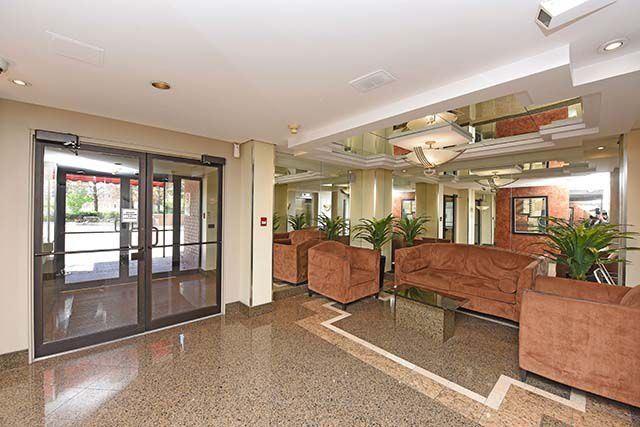 Condo Apartment at 2091 Hurontario St, Unit 910, Mississauga, Ontario. Image 14