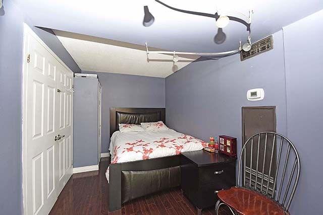 Condo Apartment at 2091 Hurontario St, Unit 910, Mississauga, Ontario. Image 9