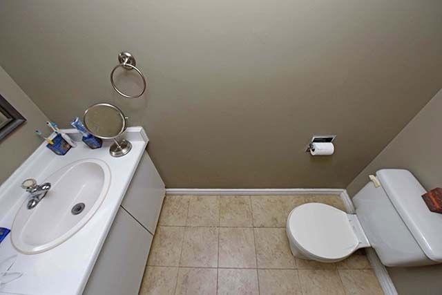 Condo Apartment at 2091 Hurontario St, Unit 910, Mississauga, Ontario. Image 11