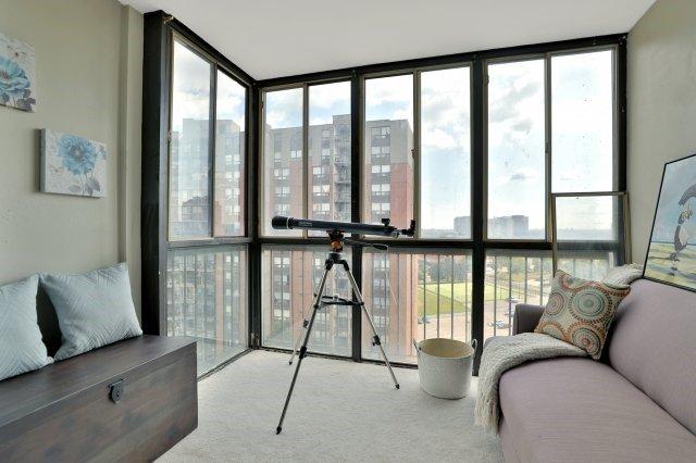 Condo Apartment at 20 Mississauga Valley Blvd, Unit 1309, Mississauga, Ontario. Image 15