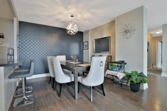 Condo Apartment at 20 Mississauga Valley Blvd, Unit 1309, Mississauga, Ontario. Image 18