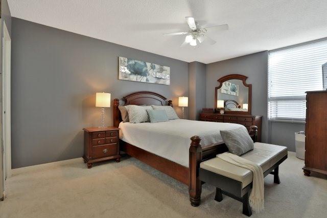 Condo Apartment at 20 Mississauga Valley Blvd, Unit 1309, Mississauga, Ontario. Image 3
