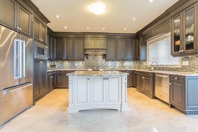Detached at 15804 Centreville Creek Rd, Caledon, Ontario. Image 2