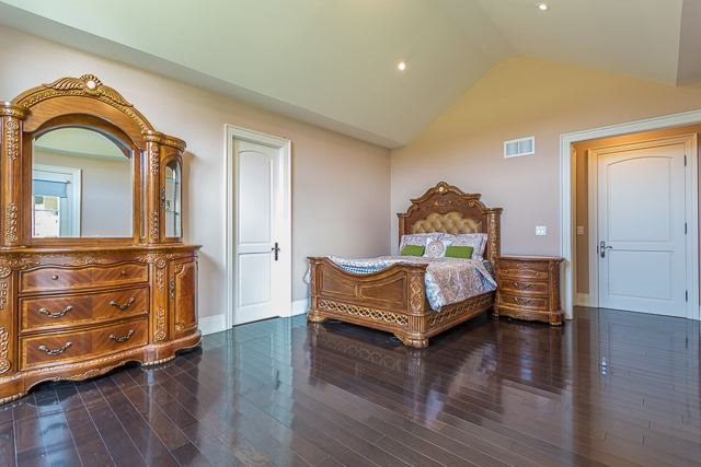 Detached at 15804 Centreville Creek Rd, Caledon, Ontario. Image 5