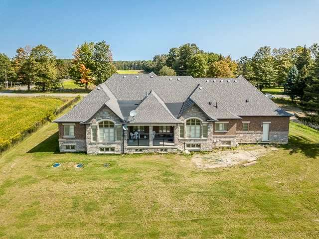 Detached at 15804 Centreville Creek Rd, Caledon, Ontario. Image 11