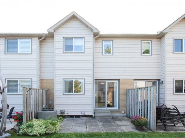 Condo Townhouse at 2940 Headon Forest Dr, Unit 16, Burlington, Ontario. Image 9