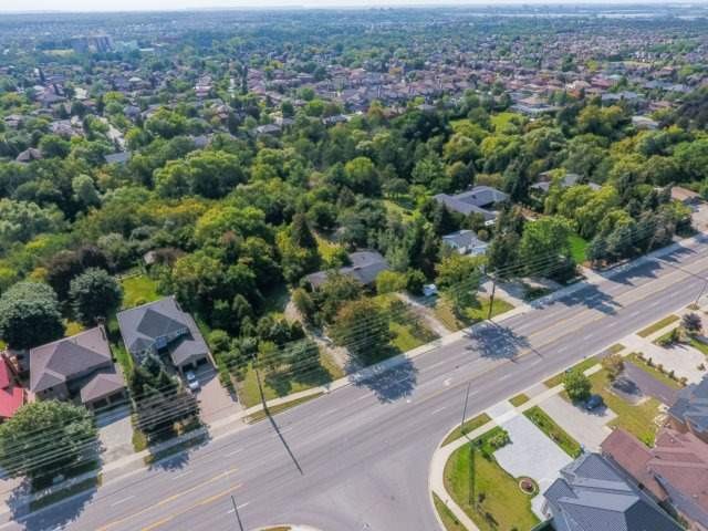 Detached at 5264 Creditview Rd, Mississauga, Ontario. Image 12