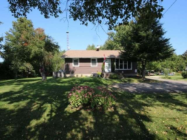 Detached at 8327 Guelph Line, Milton, Ontario. Image 1