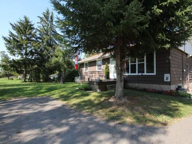 Detached at 8327 Guelph Line, Milton, Ontario. Image 12