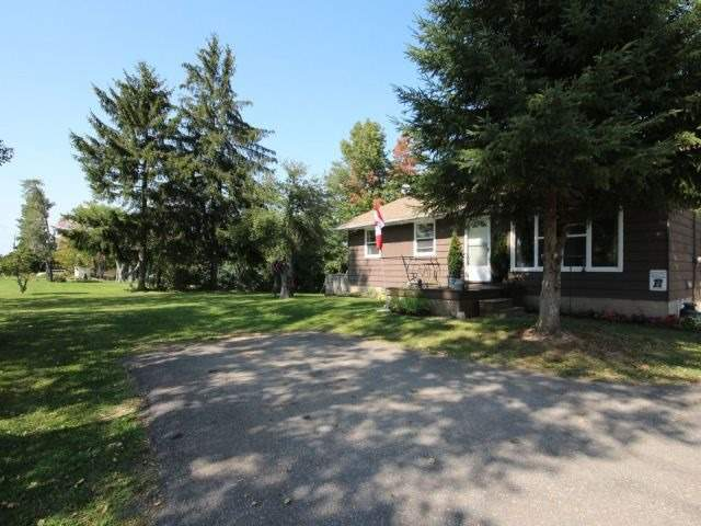 Detached at 8327 Guelph Line, Milton, Ontario. Image 15