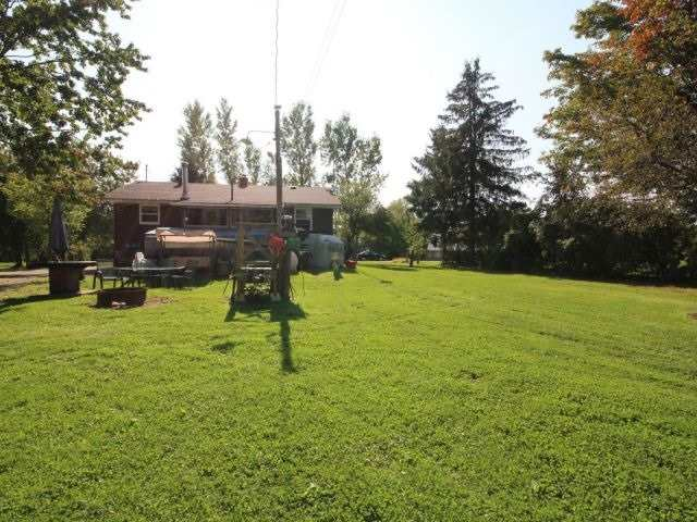 Detached at 8327 Guelph Line, Milton, Ontario. Image 7