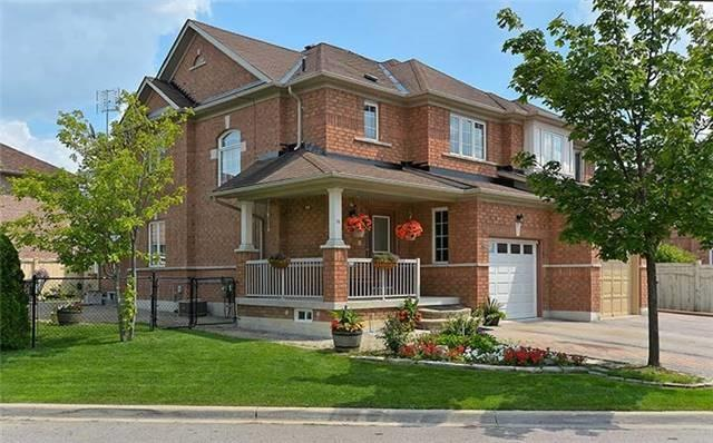 Semi-detached at 74 Passfield Tr, Brampton, Ontario. Image 1