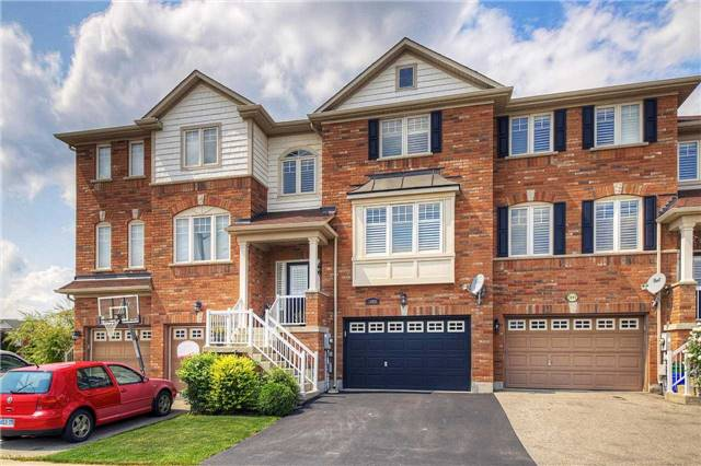 Townhouse at 3093 Highvalley Rd, Oakville, Ontario. Image 1