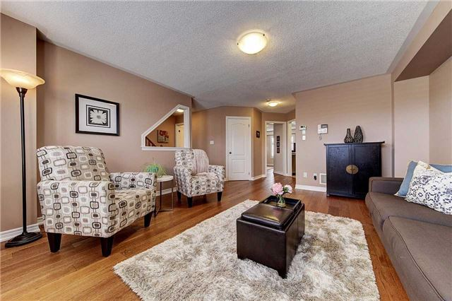 Townhouse at 3093 Highvalley Rd, Oakville, Ontario. Image 15