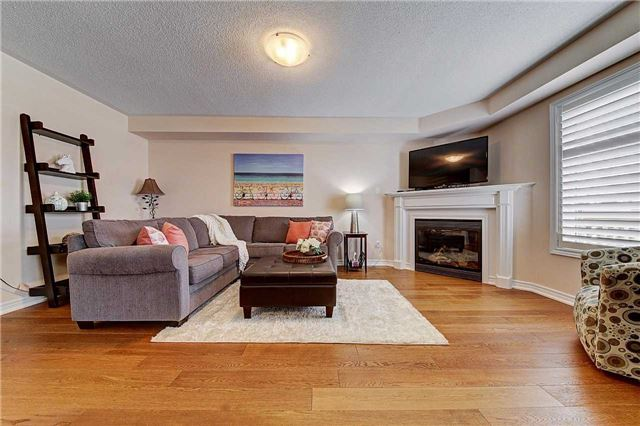 Townhouse at 3093 Highvalley Rd, Oakville, Ontario. Image 16