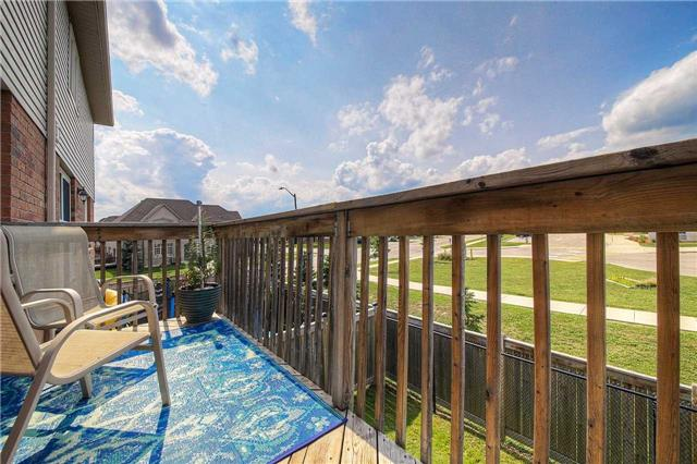 Townhouse at 3093 Highvalley Rd, Oakville, Ontario. Image 2