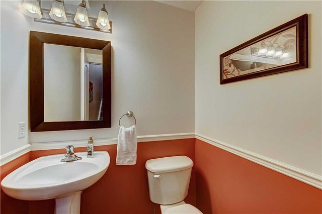 Townhouse at 3093 Highvalley Rd, Oakville, Ontario. Image 3