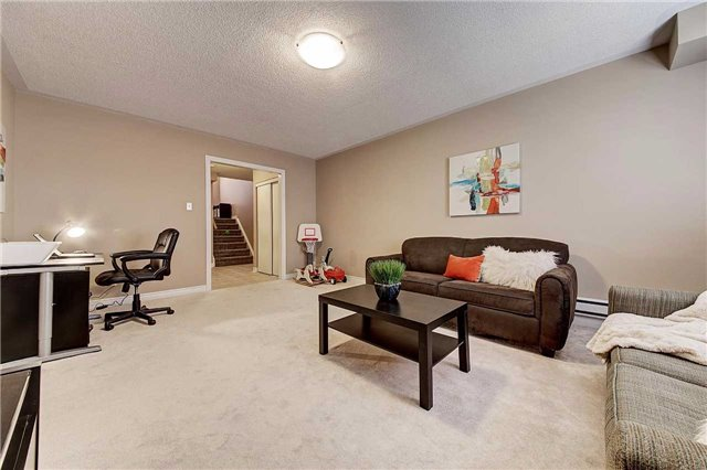 Townhouse at 3093 Highvalley Rd, Oakville, Ontario. Image 10