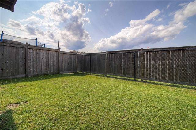 Townhouse at 3093 Highvalley Rd, Oakville, Ontario. Image 11