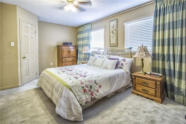 Condo Townhouse at 1425 Abbeywood Dr, Unit 14, Oakville, Ontario. Image 11