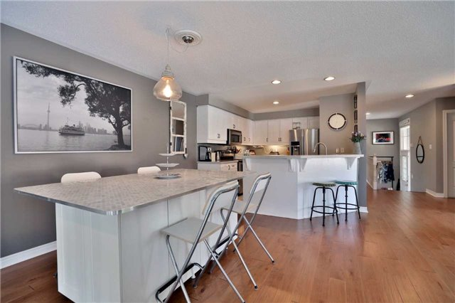 Townhouse at 1494 Gulledge Tr, Oakville, Ontario. Image 15