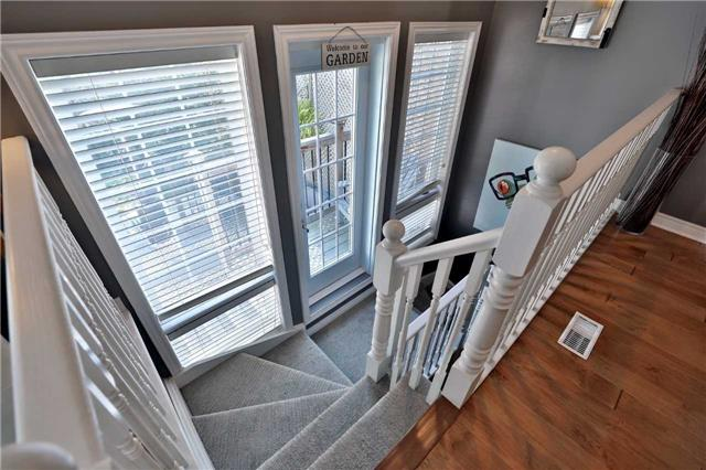 Townhouse at 1494 Gulledge Tr, Oakville, Ontario. Image 4