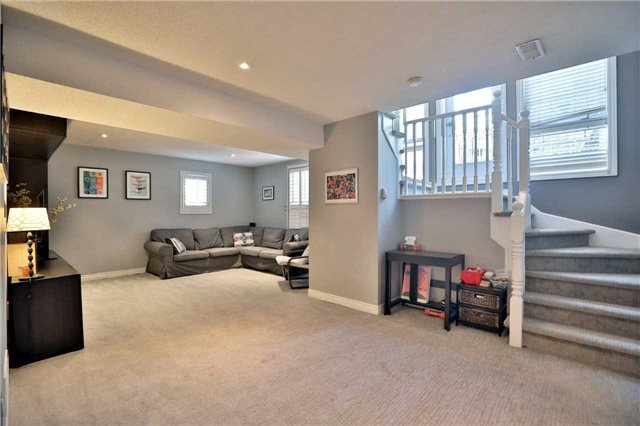 Townhouse at 1494 Gulledge Tr, Oakville, Ontario. Image 5
