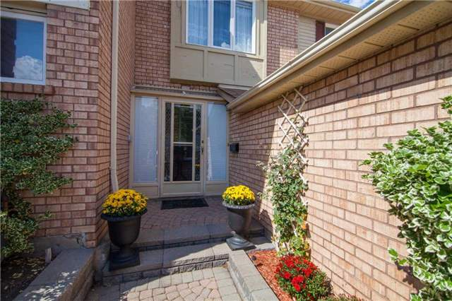 Townhouse at 3457 Fenwick Cres, Mississauga, Ontario. Image 11