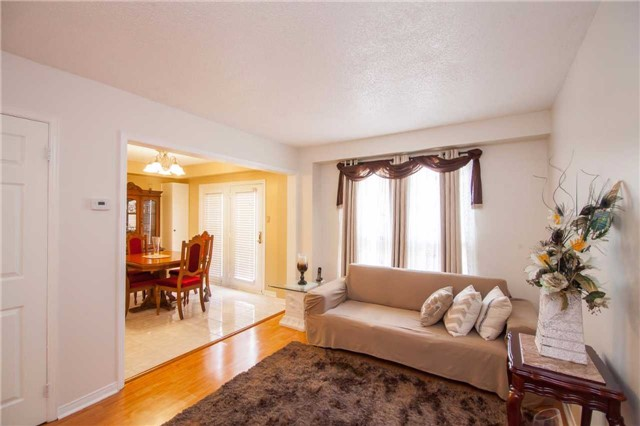 Townhouse at 3457 Fenwick Cres, Mississauga, Ontario. Image 14