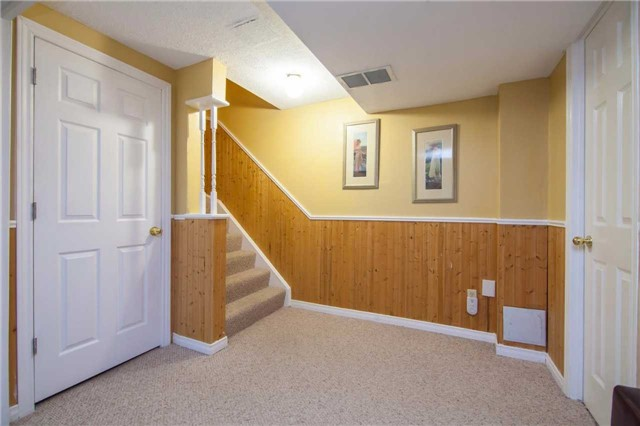 Townhouse at 3457 Fenwick Cres, Mississauga, Ontario. Image 7