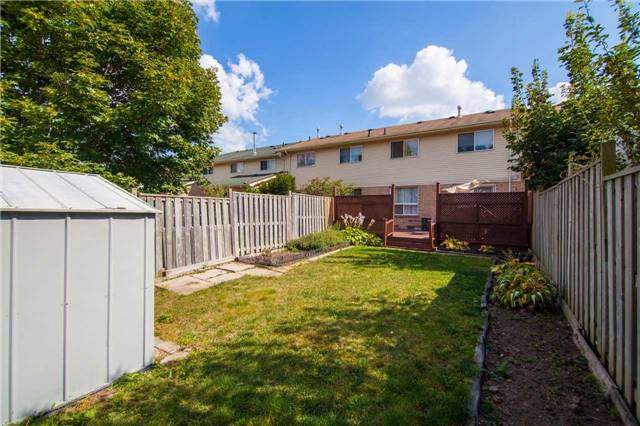 Townhouse at 3457 Fenwick Cres, Mississauga, Ontario. Image 10