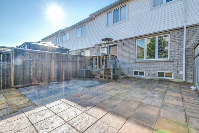 Townhouse at 4873 Verdi St, Burlington, Ontario. Image 6