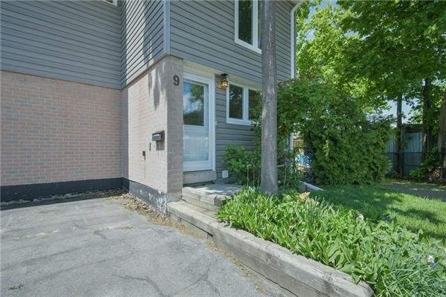 Townhouse at 9 Hilda Crt, Brampton, Ontario. Image 11