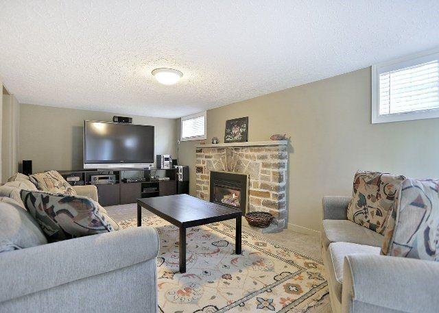 Detached at 1431 Stavebank Rd, Mississauga, Ontario. Image 6