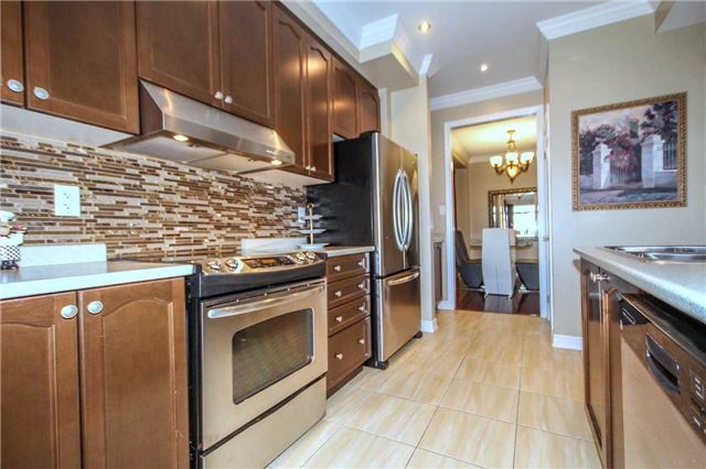 Detached at 2131 Fiddlers Way, Oakville, Ontario. Image 12