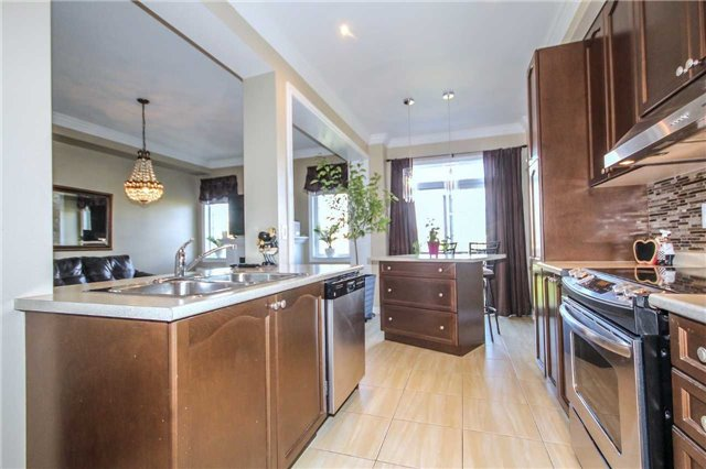 Detached at 2131 Fiddlers Way, Oakville, Ontario. Image 14