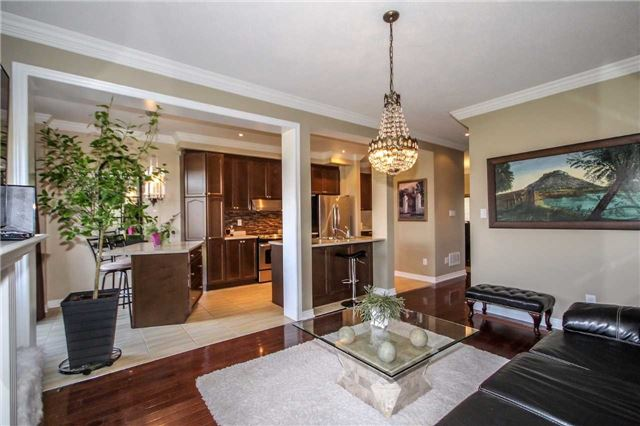 Detached at 2131 Fiddlers Way, Oakville, Ontario. Image 15