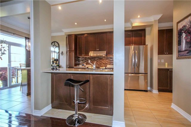 Detached at 2131 Fiddlers Way, Oakville, Ontario. Image 16