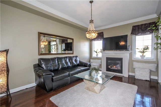 Detached at 2131 Fiddlers Way, Oakville, Ontario. Image 17