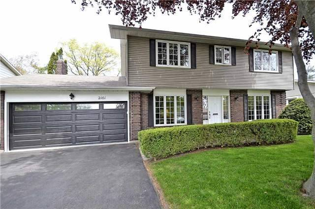 Detached at 2161 Devon Rd, Oakville, Ontario. Image 1