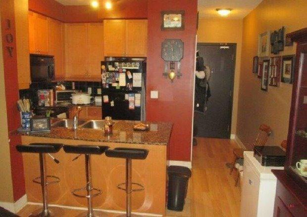 Condo Apartment at 70 Absolute Ave, Unit 411, Mississauga, Ontario. Image 6